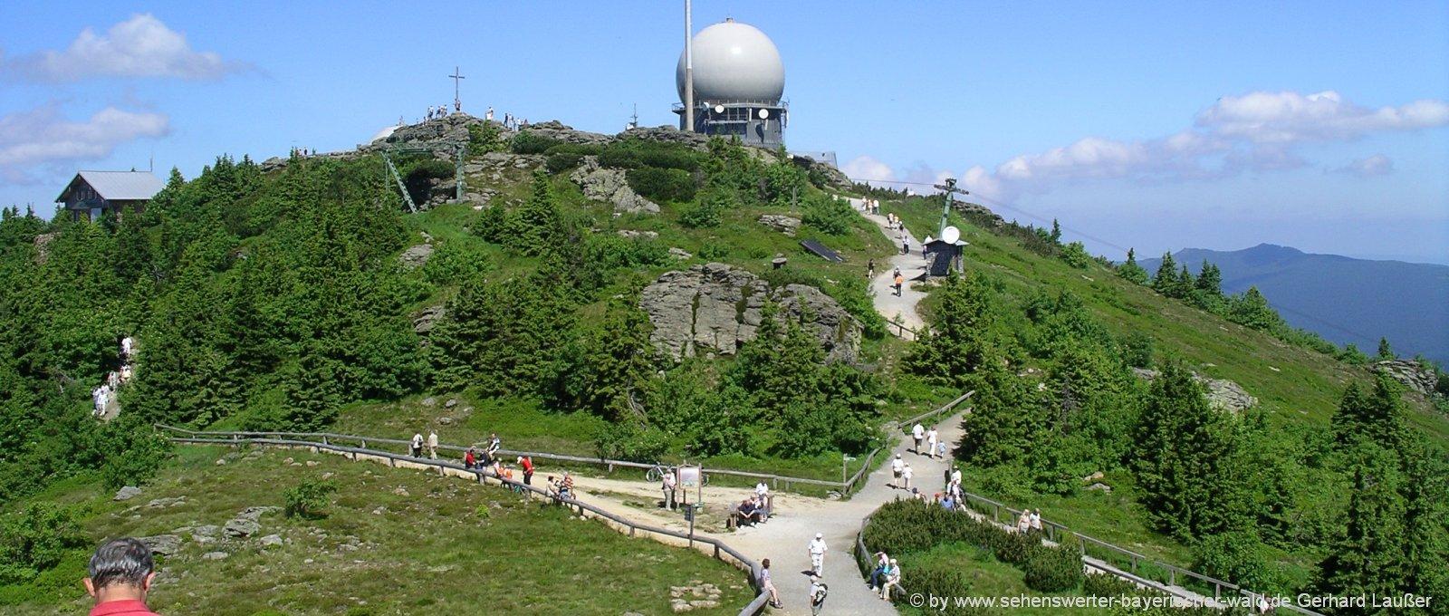 ausflugsziele-pension-bayerischer-wald-arber-berggipfel-sehenswürdigkeiten